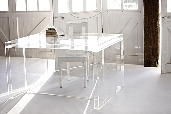 Acrylic Home Office Desks for a Clearly Fabulous Work Spa