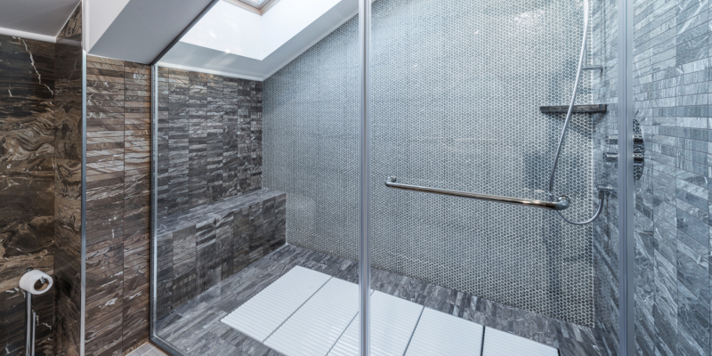 Bathroom Renovation Ideas for Small Spaces | G2 Contracti