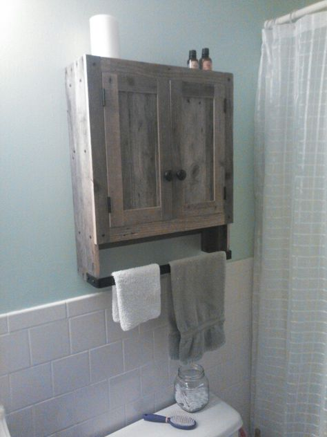 Reclaimed pallet wood bathroom wall cabinet (With images .