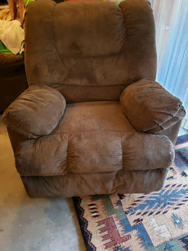 Used 2 cloth rocking recliners for sale in Kingston - let