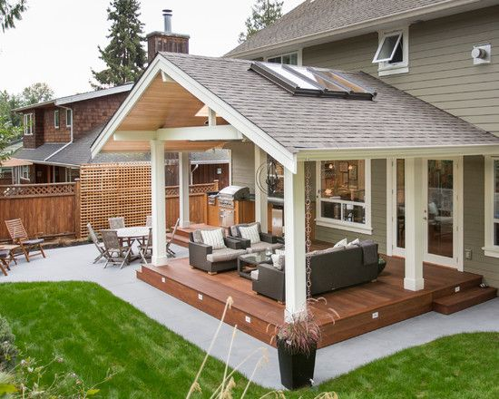 Outdoor Kitchen in a Transitional Style by Synthesis Design .