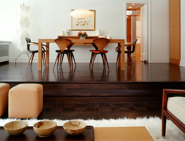 What Goes With Dark Wood Floor