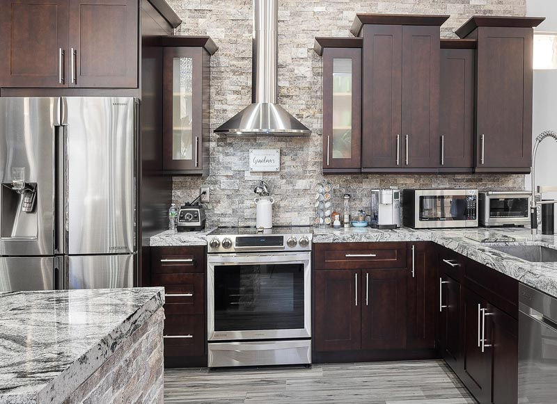 Closed vs. Glass Kitchen Cabinets - Trends Wood Finishi