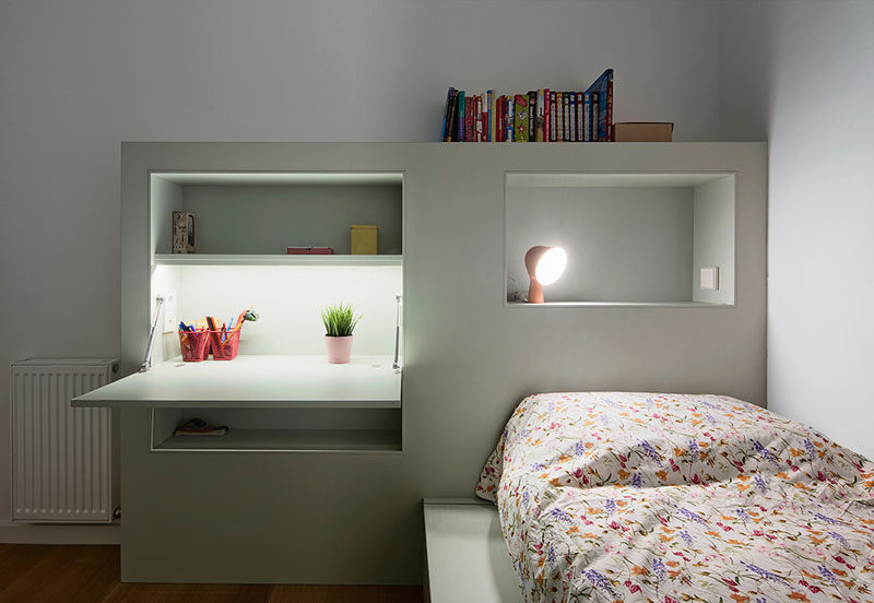 This Small Kids Bedroom Combines The Bed Frame, A Desk, And .