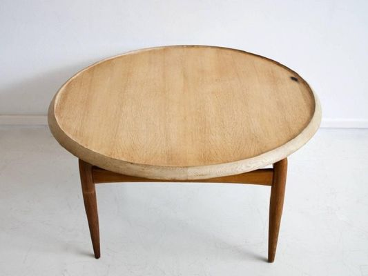 Mid-Century Round Oak Coffee Table by Ludvig Pontoppidan for sale .