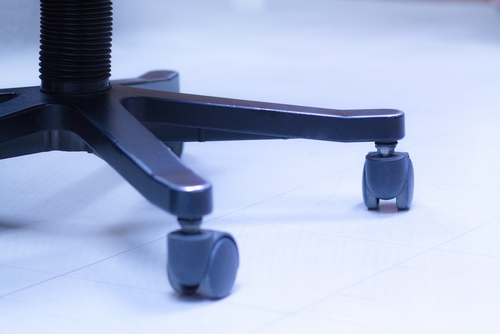 5 Steps on How to Clean Office Chair Caster Whee