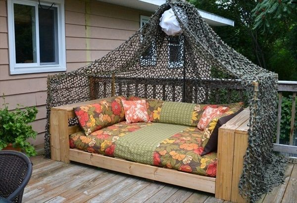 FULL TUTORIAL HERE: http://howtodecorate.info/ideas-for-outdoor .