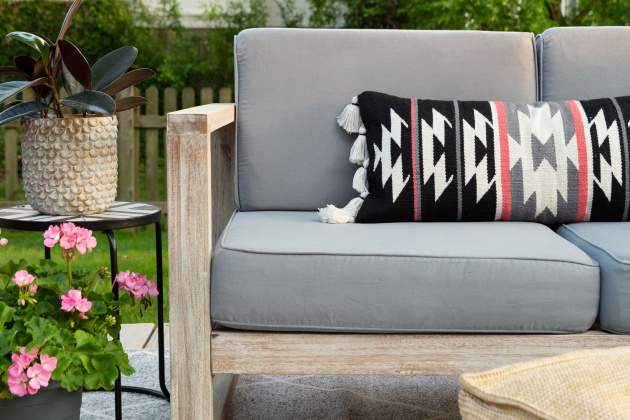 Dyed Outdoor Cushions – Rit D