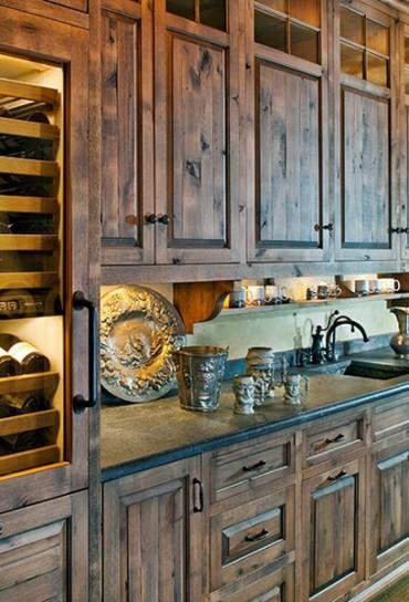 Rustic kitchen cabinets are stunning. - Crain Ponthieux Compani
