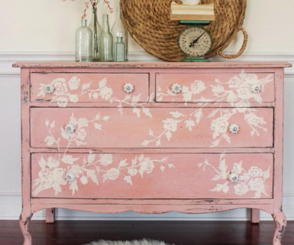 Consider Buying Used Shabby Chic Furniture in a Tight Econo