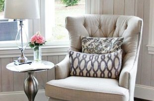 Cottage Style Decorating Ideas | Bedroom with sitting area, Living .