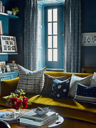 9 Small Living Room Decorating Ideas to Make It Feel Larger Than it