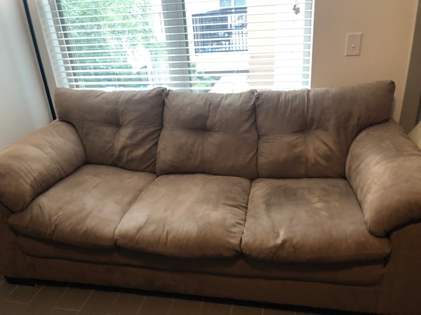 Used Great condition suede couch and loveseat for sale in Dallas .