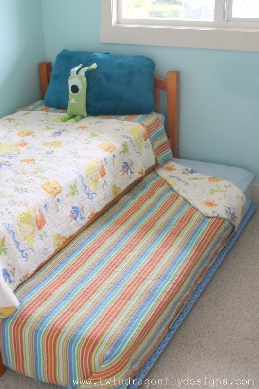 How to Build a DIY Trundle Bed » Homemade Heath