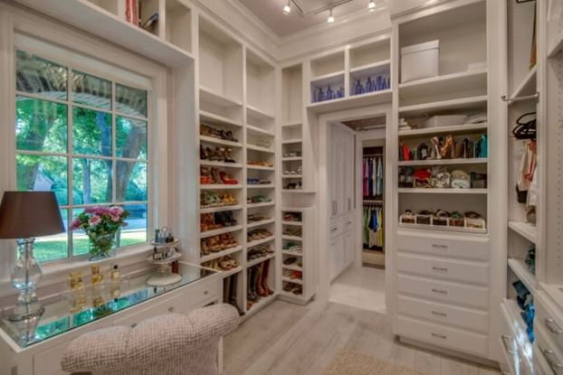 30+ Awesome Small Walk-In Closet Design Ideas and Inspiration for .