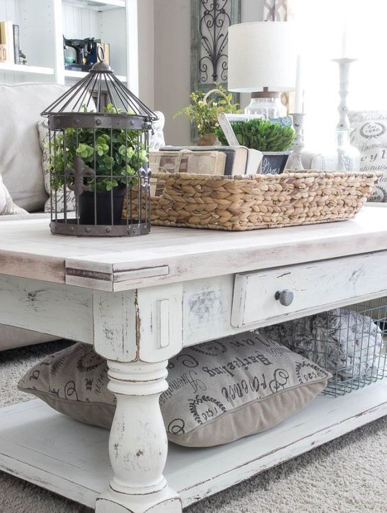7 Tips to Whitewash Furniture | Shabby chic coffee table .