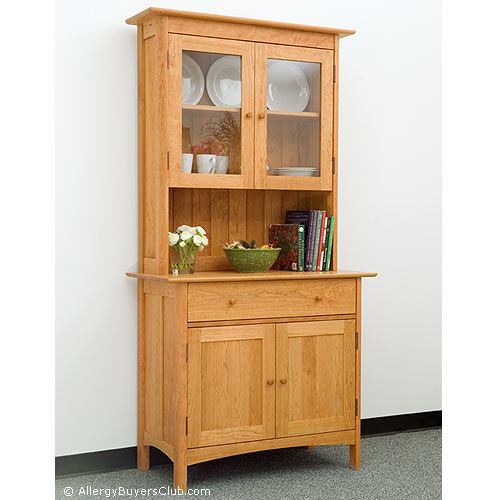 Vermont Furniture Heartwood Small Sideboard with Glass Hutch Top .