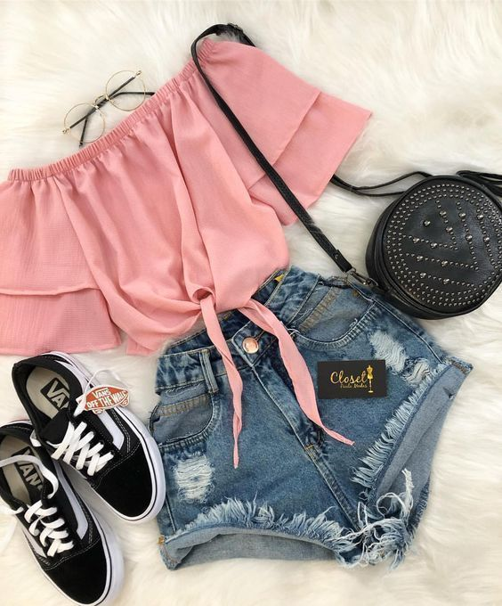 Jeans Shorts outfit Ideas That will Make You look Extra Cute .