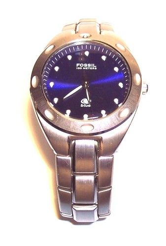 Fossil Blue Women's Wrist Watch Stainless Steel Link Band Am 3349 .
