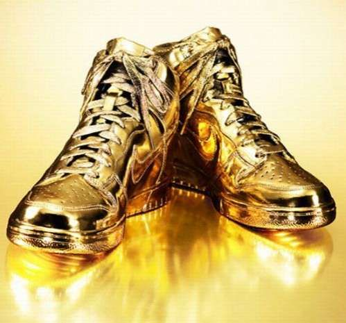 DIY Personalized Nike Sneakers | Gold nike shoes, Nike gold, Most .