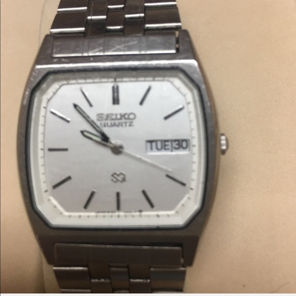 Seiko Accessories | Mens Quartz Watch With White Face And Date .