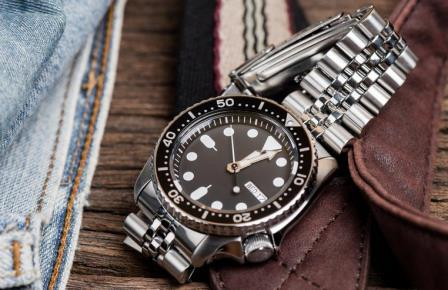 Top 7 Best Seiko Dive Watches For Your Money - 2020 Upda