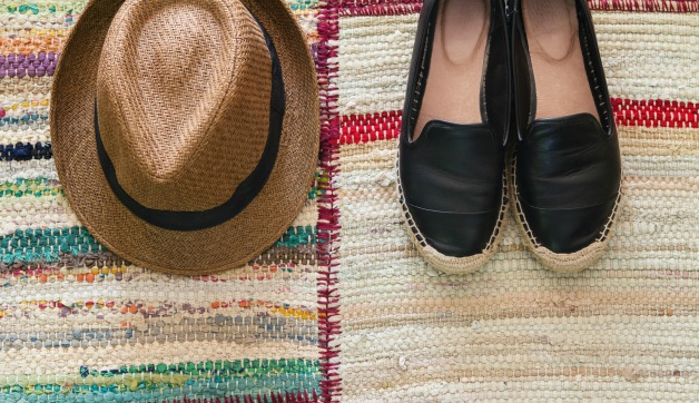 7 Shoes for Spring Travels: Best Styles to Wear this Seas
