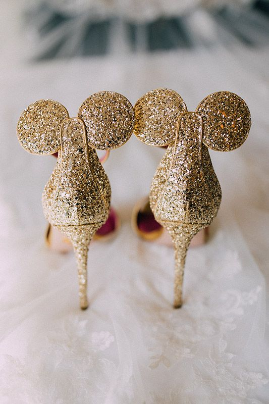Obsessed over these Mickey Mouse heels. | Disney wedding shoes .