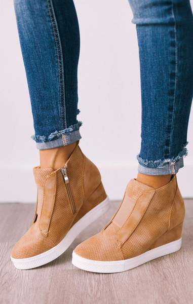 Zoey Wedge Sneakers Camel – Lucy Aven