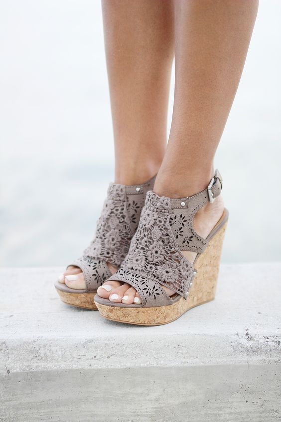 9 Stylish Wedges To Compliment Any Summer Outfit -#shoes #Wedges .