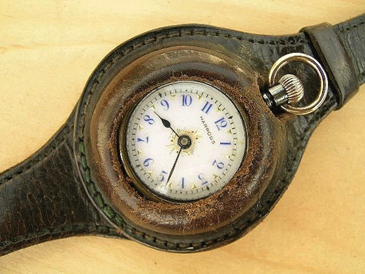 1916 New York Times Article Admits Wristwatches Here To Stay .