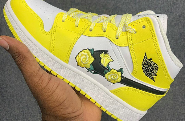 """AJ1 Mid White Yellow Flower Color Matching """"Yellow Flower"""" Shoes ."""